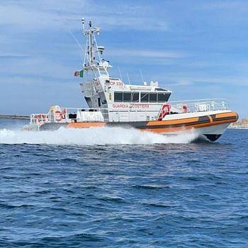 /images/2/1/21-motovedetta-330-capitaneria-porto-di-trapani.jpg