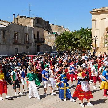 /images/4/0/40-flash-mob-europa-scuola-elementare--3-.jpeg