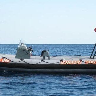 /images/6/6/66-guardia-costiera-gommone-g-c--b86-di-marettmo.jpg