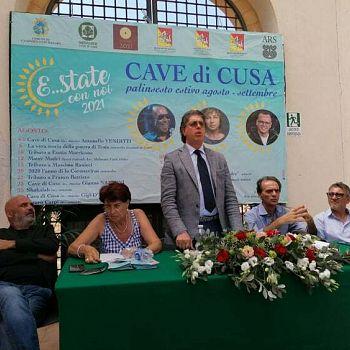 /images/6/7/67-conferenza-presentazione-palinsesto-e-state-con-noi-2021-giuseppe-castiglione.jpg